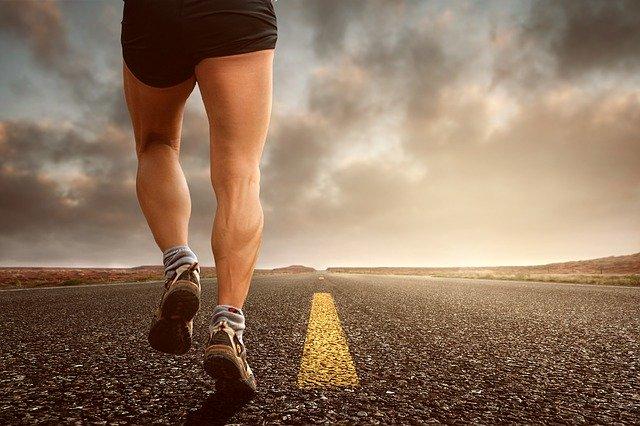 走る、マラソン、ランニング