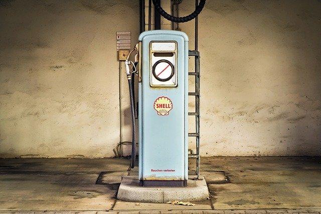 石油ガソリン